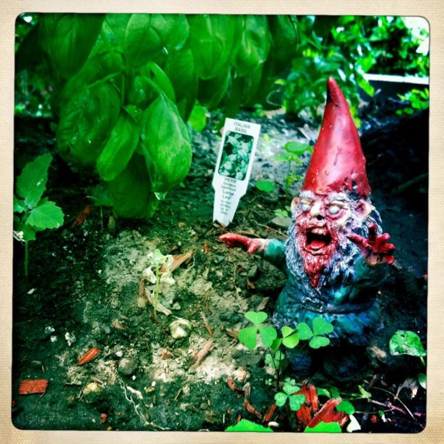 Gnombies Resin Figurine In The Garden Happy Worker