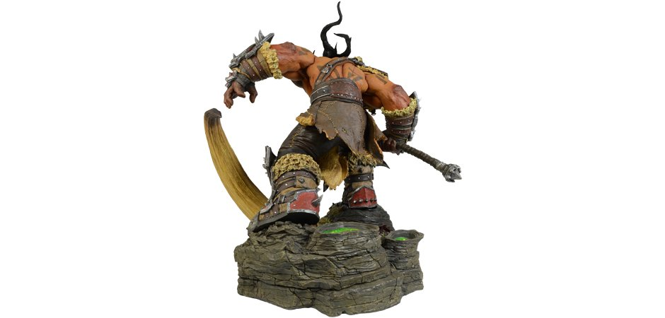 Grommash Hellscream Statue World of Warcraft Blizzard