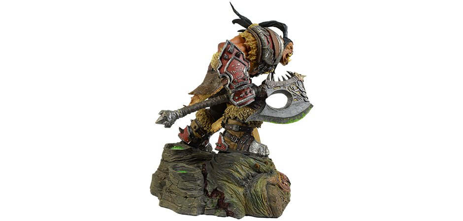 World of Warcraft Grommash Hellscream Statue Blizzard